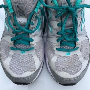 New Balance Wide Sneakers 1540V2